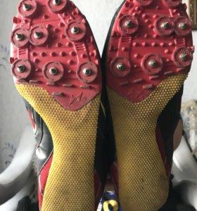 Шиповки(кроссовки)