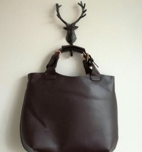 Большая коричневая сумка