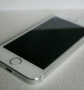 Apple iPhone 5S 16Gb.