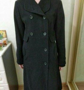 Стильное демисезонное пальто Mango