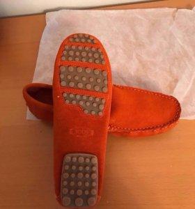 Новые мокасины Tods кожаные