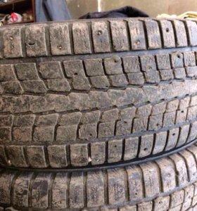 Продам шины зимние Dunlop размер 265/70/16