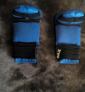 Перчатки для рукопашного боя детские