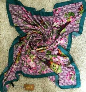 Шейный платок Gucci
