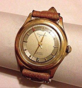 Часы механические Dugena винтаж