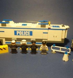 Лего, полицейский фургон 7743 ( 2008 год )