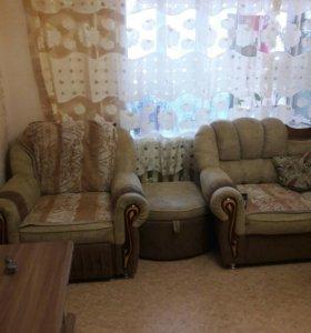 угловой диван, кресло, пуфик