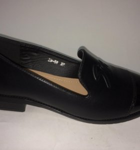 Туфли с лаковым носом 36-39