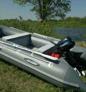 Мотор лодочный и надувная резиновая лодка