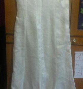 Продам платья белое