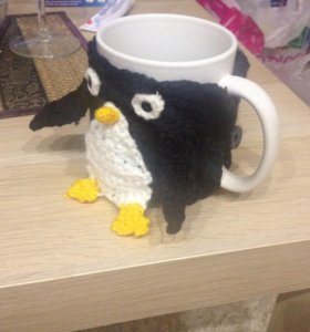 Вязанный чехол на кружку Пингвин