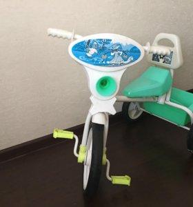 Трехколесный велосипед малыш