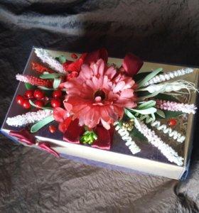 Коробка для подарка, праздничная упаковка