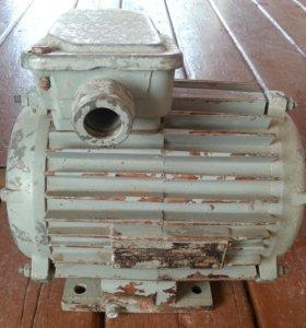 Продаётся Электродвигатель-(1.5кВт)-(220-380В)