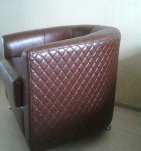 Новое.Кресло натуральная кожа
