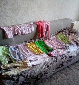 Детские вещи ползунки, штанишки, кофточки