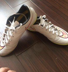 Футбольные кроссовки Nike Mercurial