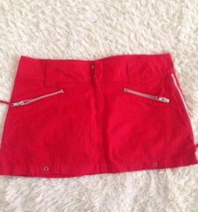 Красная юбка с молниями 44