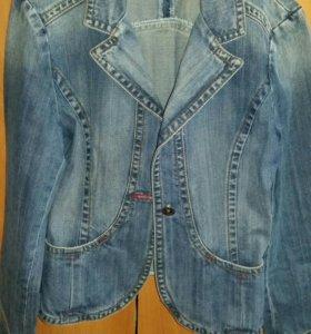 продается куртка джинсовая