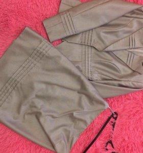 Женский костюм.Пиджак с юбкой.