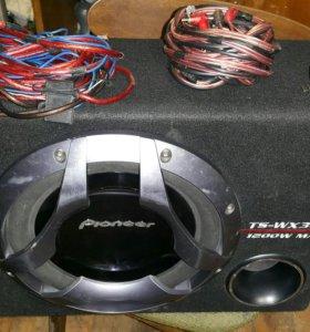 Продам сабвуфер Pioneer +усилок Kicx +провода