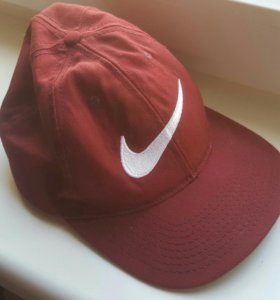 Кепки Nike и Asos