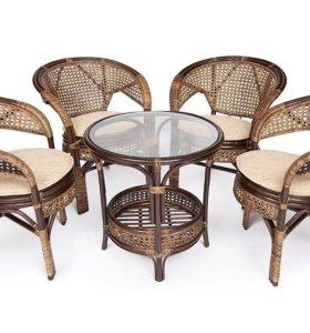 Стол и стулья , комплект