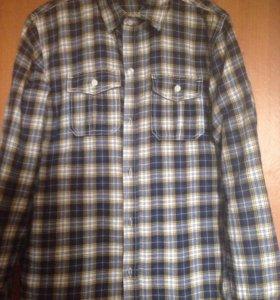 Рубашки на подростка по 300 руб каждая