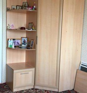Шкаф угловой(продам срочно)