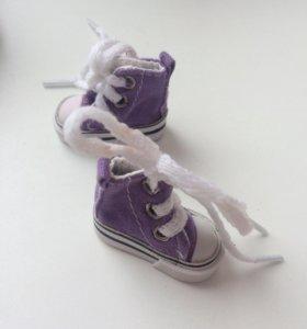 Кроссовки для куклы
