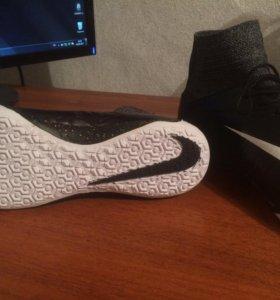 Футзалки Nike
