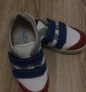Кроссовки для мальчика р.35