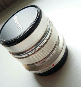 Объектив olympus 12mm f/2.0
