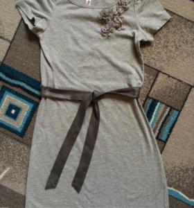 Платье красивое серое