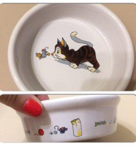 Миска для кошки