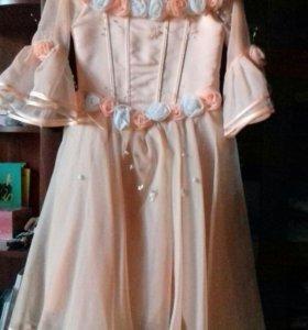 Продается платье для девочки