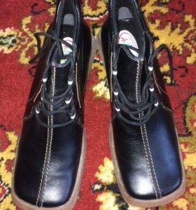 Новые кожаные ботинки 38р.