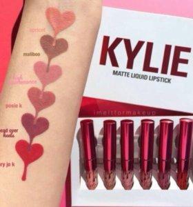 Матовая помада Kylie Valentine Collection