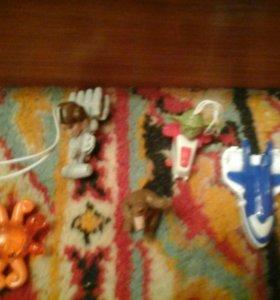 Камплект игрушек из киндера