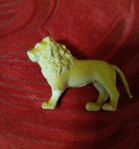 Трёхногий лев