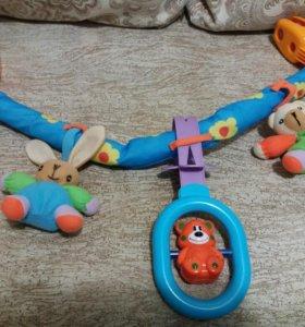 Дуга на кроватку или коляску с игрушками