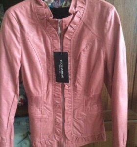Кожанка/куртка розовая