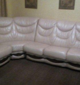 Кожанный диван