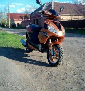 Продам скутер.