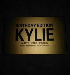 Жидкие матовые помады Kylie