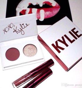 Тени Kylie + блеск