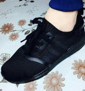 Мужские кроссовки на 43 размер