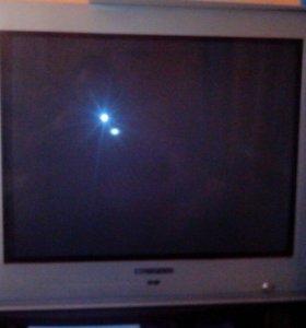 Большой телевизор.