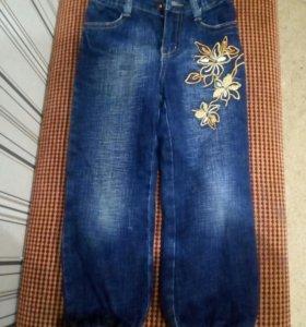 Штаны и джинсы на девочку