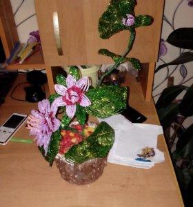 Цветы из бисера от 500-700.